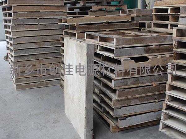 各种型号木质托盘
